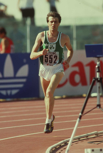 Ray Flynn running in the 1500m at the 1987 World Championships in Rome    Photo: Billy Stickland