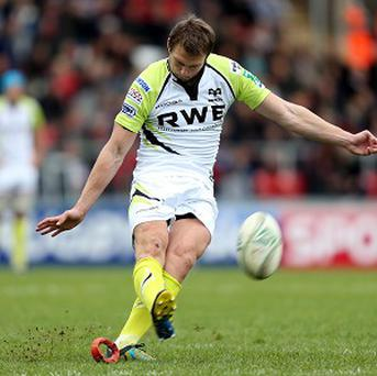 Dan Biggar kicked 19 of the Ospreys' points