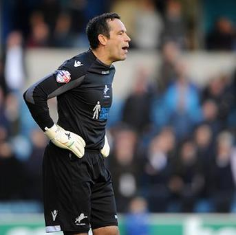 David Forde has insisted he will not give up his starting place without a fight