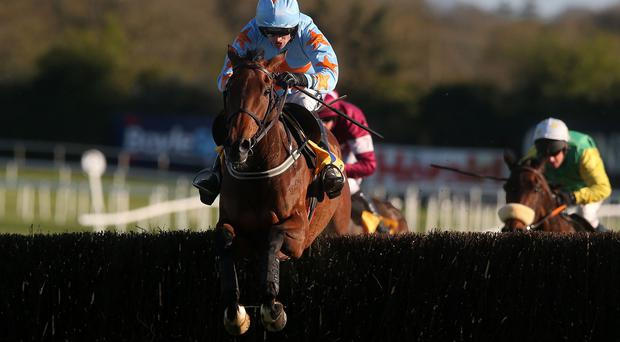 Un De Sceaux ridden by Ruby Walsh goes on to win the Ryanair Novice Chase