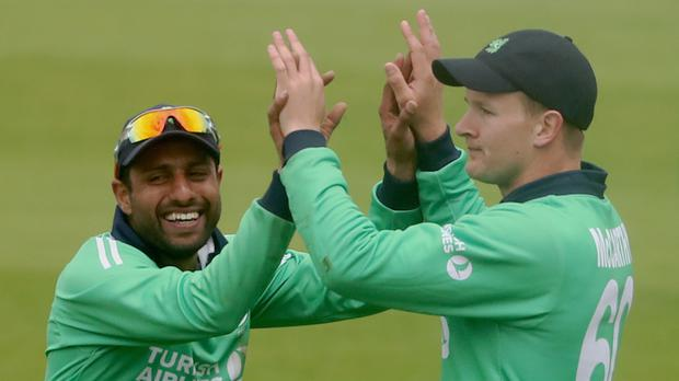 IBarry McCarthy, right, helped Ireland defend 272