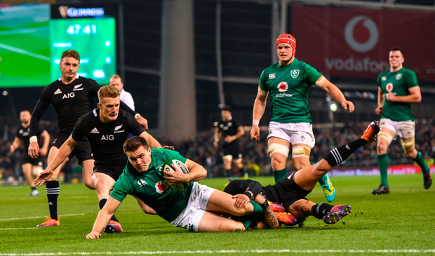 Jacob Stockdale'a try against the All Blacks at the Aviva on Saturday. Photo: Ramsey Cardy