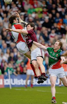 19 May 2013; Michael Meehan, Galway, in action against David Clarek, left, and Tom Cunniffe, Mayo. Connacht GAA Football Senior Championship Quarter-Final, Galway v Mayo, Pearse Stadium, Galway. Picture credit: Brian Lawless / SPORTSFILE