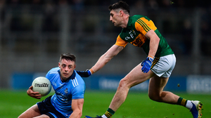 Brian Howard is closely shadowed by Paul Geaney during last night's Allianz Football League clash between Dublin and Kerry at Croke Park. Photo: Ben McShane/Sportsfile