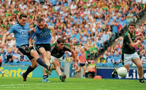 Bernard Brogan narrowly beats his brother Alan to the ball to score Dublin's opening goal agains Meath in the Leinster SFC final Tómas Greally / SPORTSFILE