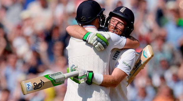 Ian Bell (right) and Joe Root embrace after sealing England's third-Test victory