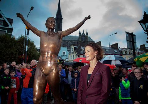 Sonia O Sullivan's home town of Cobh, Co Cork, has unveiled a life-size bronze statue in her honour