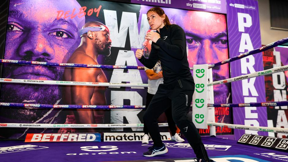 Katie Taylor trains at the Matchtoom Boxing fight hotel in Manchester, England, prior to her lightweight title bout against Natasha Jonas. Photo by Mark Robinson / Matchroom Boxing via Sportsfile