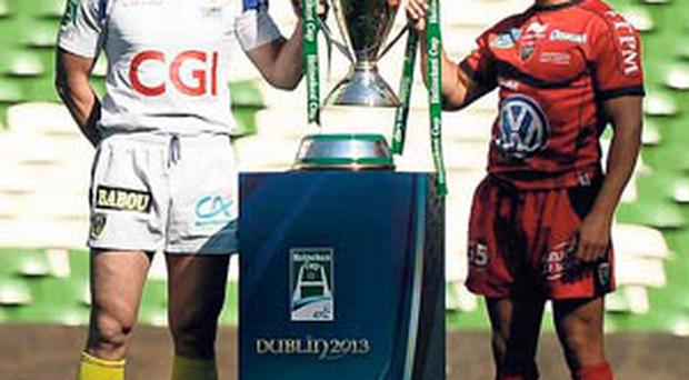 Clermont captain Aurelien Rougerie and his Toulon counterpart Jonny Wilkinson with the Heineken Cup prior to last season's all-French final