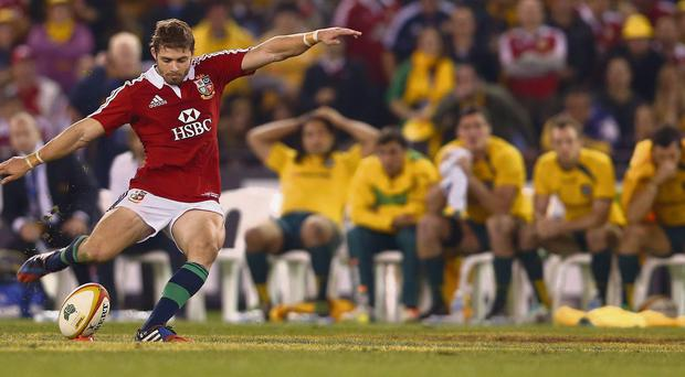 Leigh Halfpenny fails to convert a penalty with the last kick of the match