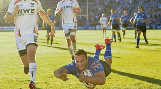 Dave Kearney dives over to score Leinster's second try