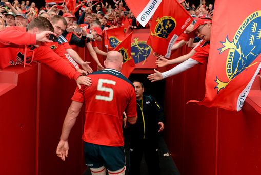 Paul O'Connell is applauded off the field by the Thomond Park crowd after playing his last home game for Munster yesterday afternoon. Photo: Brendan Moran
