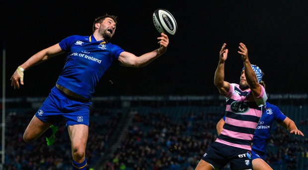 Barry Daly beats Cardiff's Matthew Morgan to the ball to score a try. Photo: Sportsfile