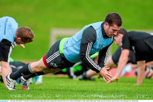 JJ Hanrahan shows his agility during Munster training ahead of tonight's game against Dragons