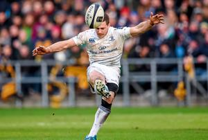 Jimmy Gopperth, Leinster, attempts a second half drop goal
