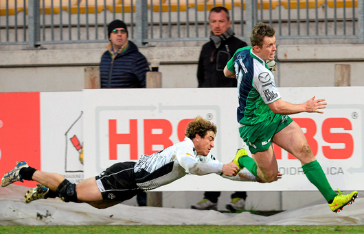 Matt Healy runs in one of his three tries against Zebre (SPORTSFILE)