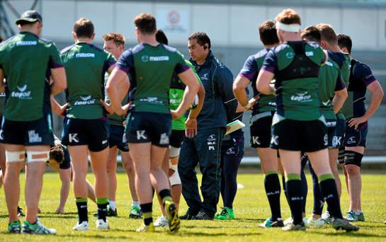 Pat Lam speaks with his players during training at the Sportsground ahead of their final Pro12 game (SPORTSFILE)