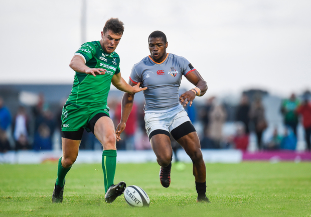 Tom Farrell of Connacht in action against Sibusiso Sithole of Southern Kings Photo by Seb Daly/Sportsfile