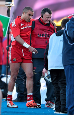 Simon Zebo leaves the pitch with an injury after being substituted
