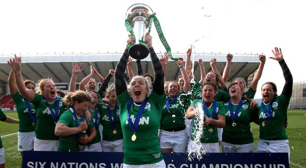Niamh Briggs lifts the Six Nations trophy