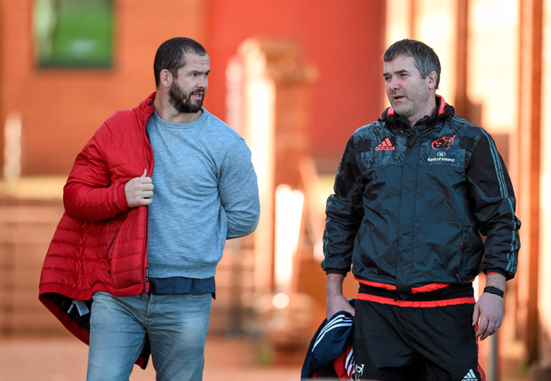 Anthony Foley with Andy Farrell (left) on Tuesday when the Englishman attended his first Munster training session. Photo: Sportsfile