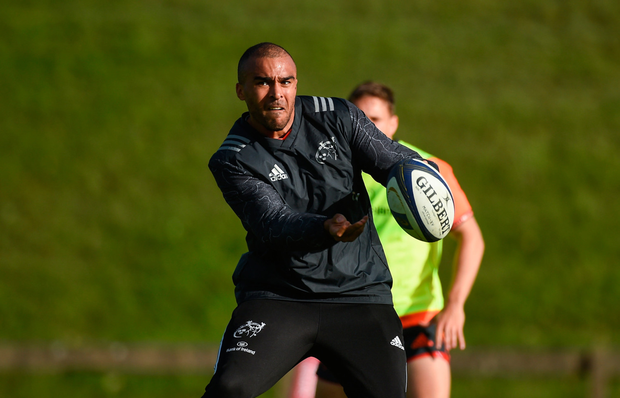 Simon Zebo practises ball skills during training DIARMUID GREENE/SPORTSFILE