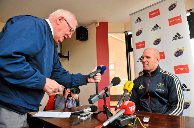 Former Limerick Live95 rugby commentator Len Dinneen interviewing Paul O'Connell in 2011. Len still presents his music show 'Sounds Easy' on Saturday and Sunday nights. Photo: Sportsfile