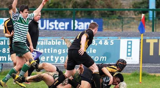 In the Division 1 final we were treated to a nail-biting finish to a game of two very different halves as Malahide held firm against Greystones