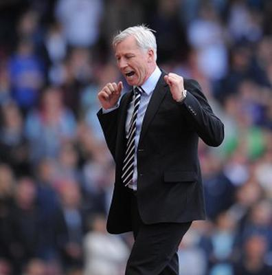 Alan Pardew, pictured, was frustrated that Papiss Cisse's effort did not count