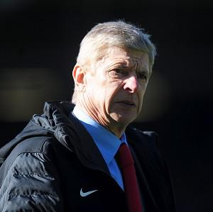 Arsene Wenger's Arsenal trail Manchester United by 21 points
