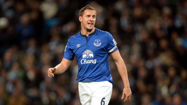 Everton captain Phil Jagielka has signed a one-year contract extension at Goodison Park