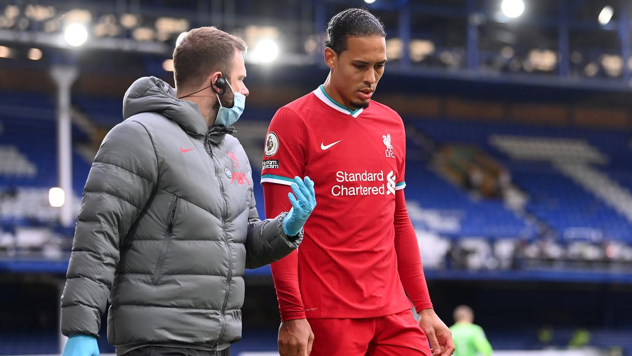 'You need to build up slowly' - Top physio warns Van Dijk against early return from knee injury