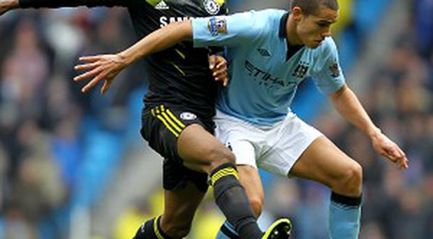 Jack Rodwell, right, is hoping title rivals Manchester United can slip up in the next few weeks
