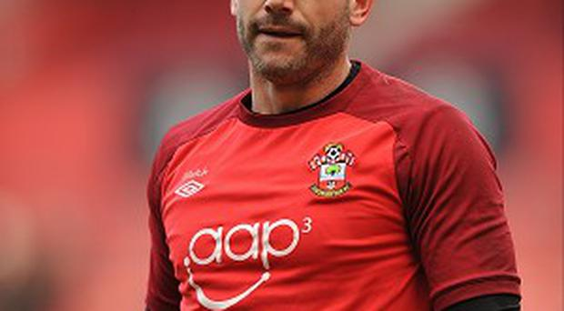 Southampton have tied Kelvin Davis to the club for the next three years