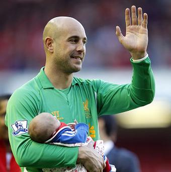 Pepe Reina has joined Napoli on a season-long loan deal