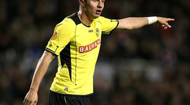 Elsad Zverotic completed a late move to Fulham