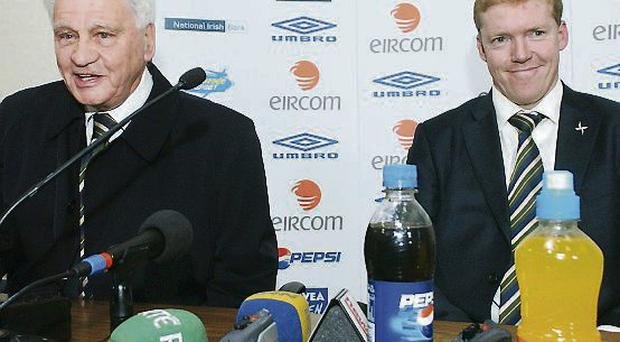 Steve Staunton with Bobby Robson in 2007 during their tenure with Ireland