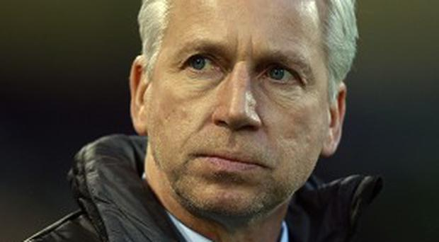 Alan Pardew has backed Chelsea to make a strong title challenge