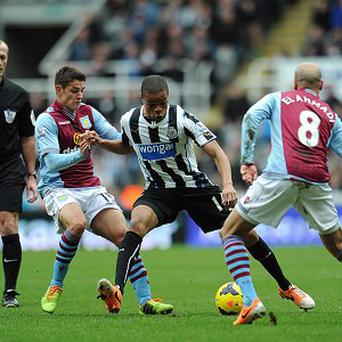 Loic Remy, centre, scored the only goal of the game