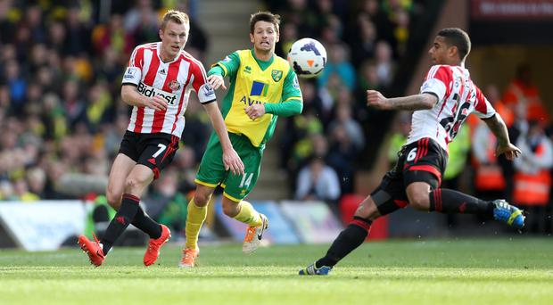Liam Bridcutt, right, wants Sunderland to