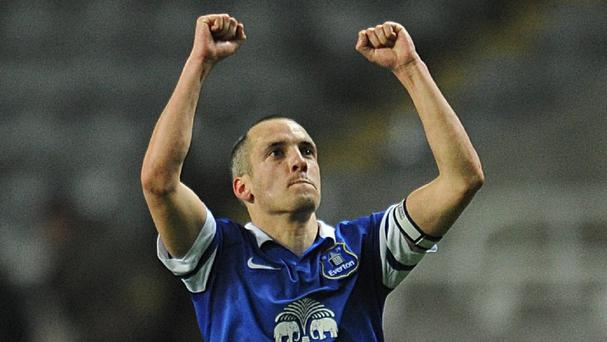 Leon Osman is not ruling out Everton's chances of Champions League qualification