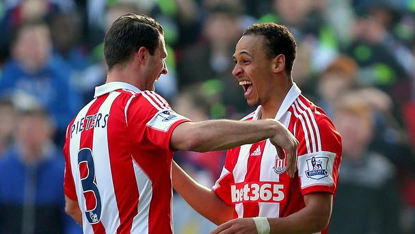 Stoke City's Peter Odemwingie, right, was on target for Stoke in their clash against Hull