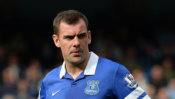 Everton midfielder Darron Gibson, pictured, is edging closer to returning to training with the first team after a cruciate knee ligament injury