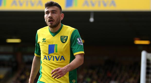 Robert Snodgrass has called for Norwich to win at Fulham and avoid relegation