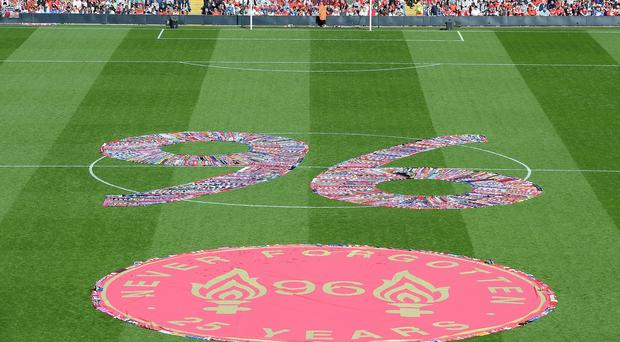 Everton are to unveil a plaque commemorating the 96 people who died in the Hillsborough disaster.