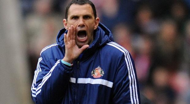 Sunderland manager Gus Poyet heaped praise on referee Phil Dowd