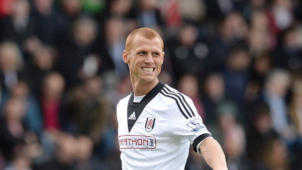Midfielder Steve Sidwell has signed a two-year contract with Stoke following his release by Fulham