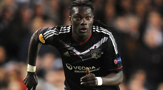 Bafetimbi Gomis is close to signing for Swansea
