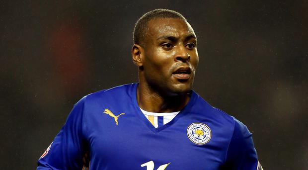 Leicester captain Wes Morgan has signed a new three-year contract with the club