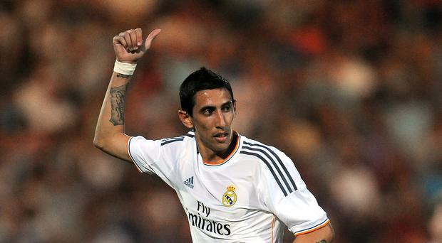 Angel di Maria will complete his move to Man United